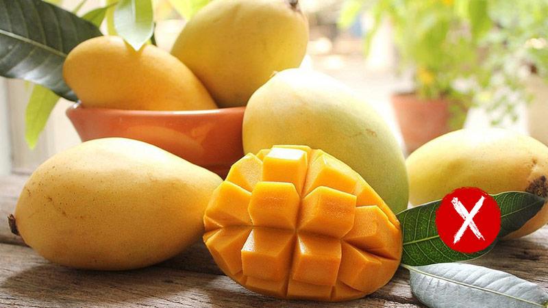 nguoi-bi-gan-nhiem-mo-khong-nen-an-hoa-qua-co-ham-luong-duong-fructose-cao