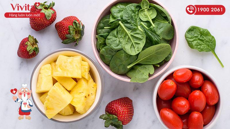 Rau xanh và trái cây là những thực phẩm mát gan hiệu quả và dễ tìm