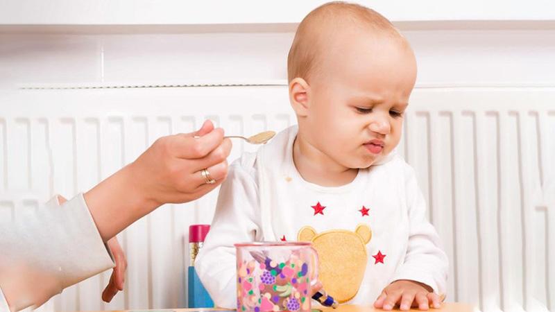 Trẻ biếng ăn có thể do thiếu kẽm