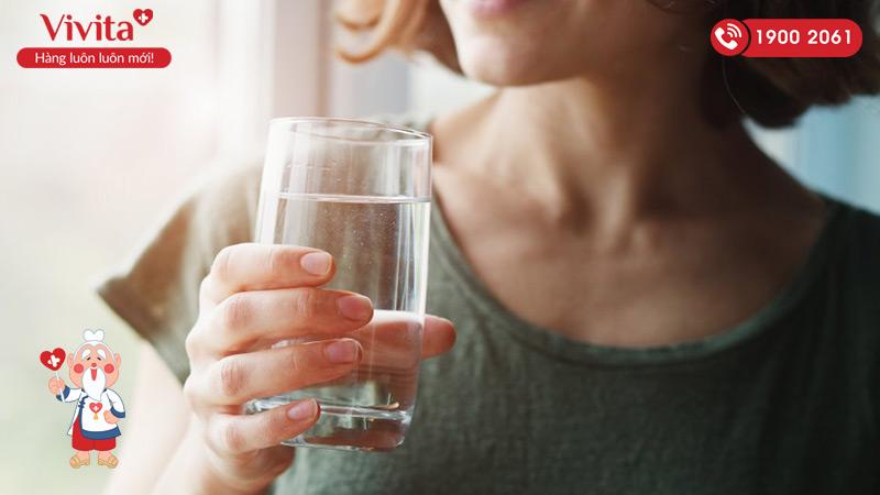 Uống nước lọc hỗ trợ giải độc cho gan
