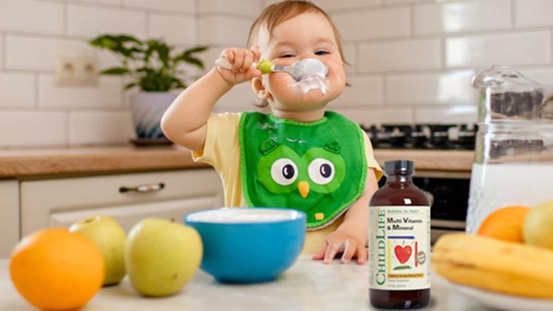 vitamin-cua-my-giup-tre-bien-an-Childlife-Multivitamin-and-Mineral