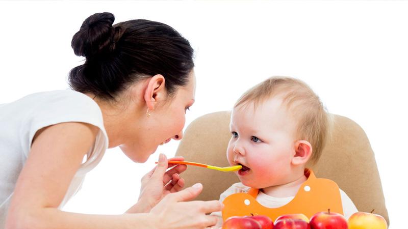 Chăm sóc trẻ mắc bệnh tay chân miệng đúng cách