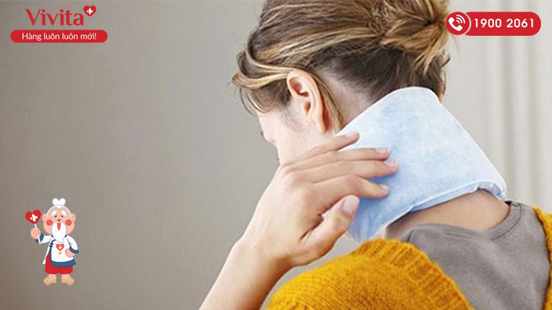 Chườm nóng giúp giảm đau đầu