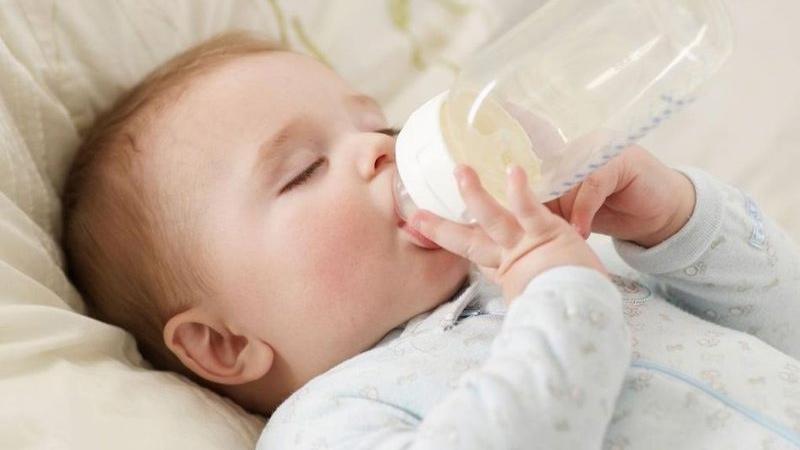 chọn sữa theo độ tuổi của trẻ
