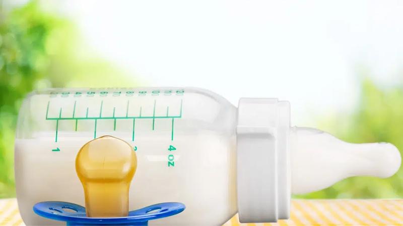 Kinh nghiệm chọn bình sữa cho trẻ