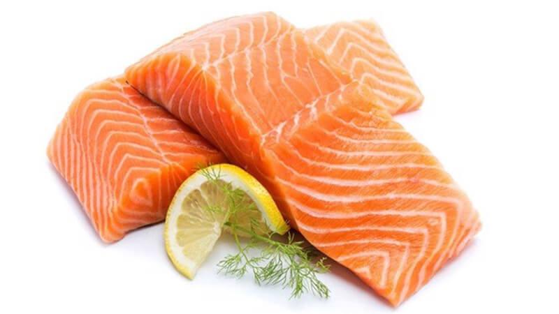Cá hồi chứa nhiều DHA