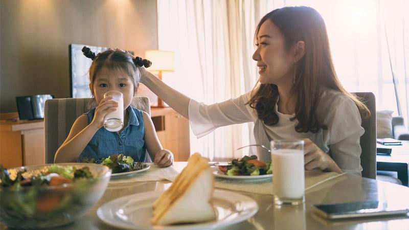 Chọn sữa cho trẻ biếng ăn có mùi vị thơm ngon, phù hợp với trẻ