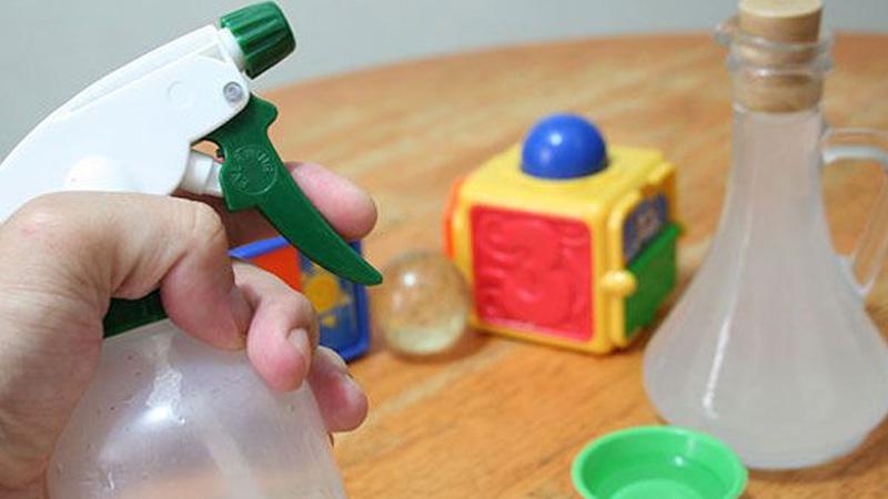 Vệ sinh đồ chơi của trẻ giúp phòng ngừa lây lanbệnh tay chân miệng