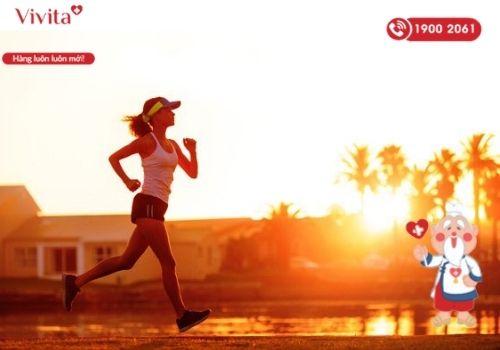Duy trì thói quen vận động mỗi ngày giúp cơ thể dẻo dai và duy trì vóc dáng, sự tươi trẻ ở phụ nữ