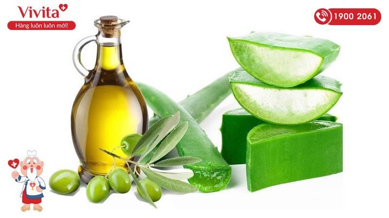 Trị rạn da bằng dầu oliu và nha đam giúp tăng độ đàn hồi cho da, dưỡng ẩm,...