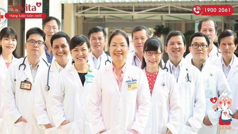 Bác sĩ Trần Diệp Khoa hiện là Phó trưởng khoa Nhịp tim học Bệnh viện Nhân dân 115