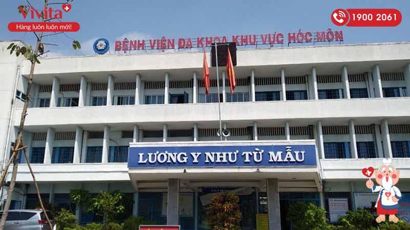 Tòa nhà chính bệnh viện Đa khoa Khu vực Hóc Môn