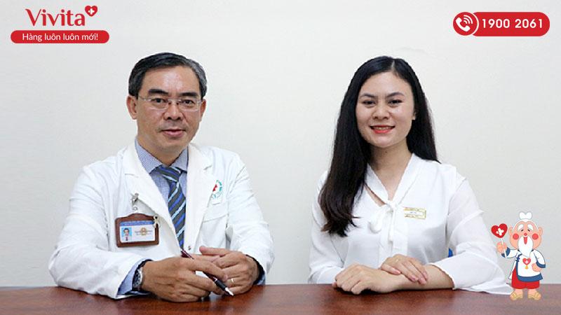 Bác sĩ Nguyễn Thiện Nhân trong buổi giao lưu trực tuyến trên truyền hình