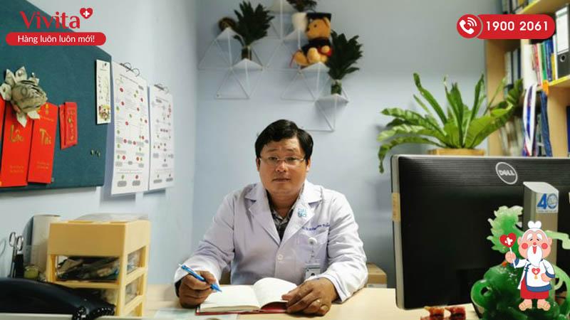 Bác sĩ Huỳnh Minh Tuấn