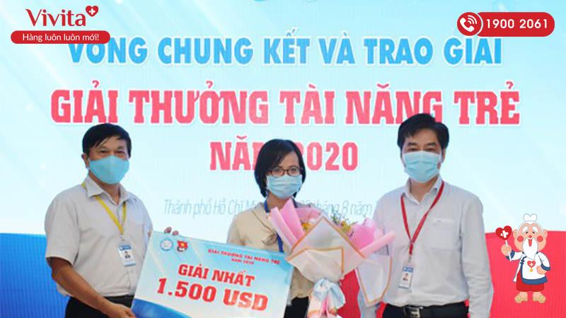 Tiến sĩ Trịnh Hoàng Kim Tú đoạt giải nhất giải thưởng Tài năng trẻ ĐH Y Dược TP Hồ Chí Minh