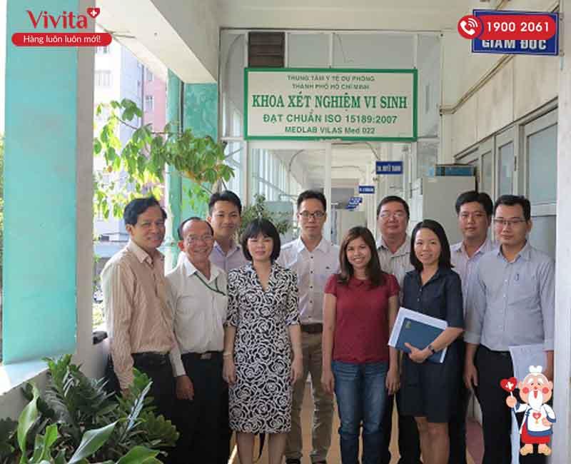 PGS.TS.BS Trần Thị Khánh Tường (trái) cùng các giảng viên tại Đại học Y khoa Phạm Ngọc Thạch